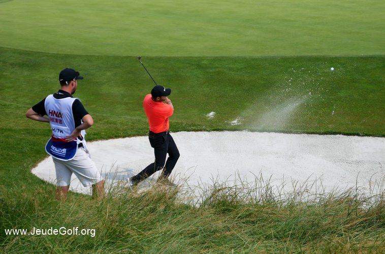 si un golfeur sur le tour frôle les 50% de sauvetages amenant des putts à moins de 3 mètres, en parallèle le nombre d'erreurs chute à 12%.