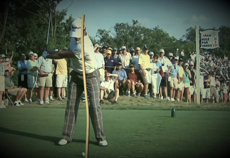 Pour un golfeur à qui on aurait enseigné de swinguer en suivant la ligne formée par la cible, il aurait vraiment l'impression de swinguer très à l'intérieur de cette ligne.