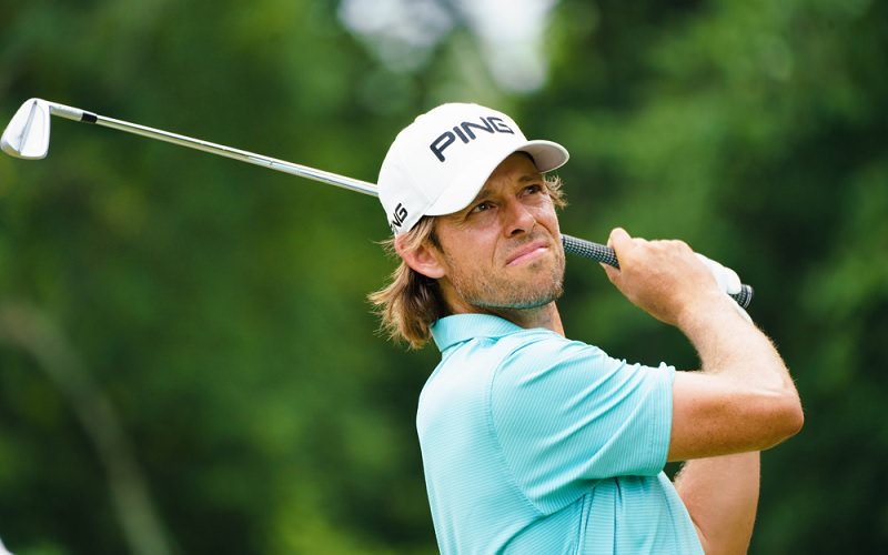 La séquence de swing (stack and tilt) d'Aaron Baddeley