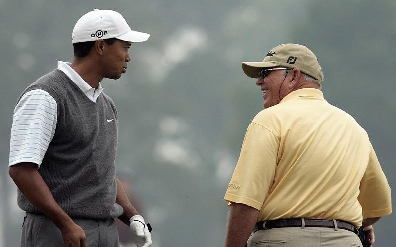 Si le fait d'être un excellent golfeur suffisait à faire de vous un bon enseignant, Tiger Woods n'aurait jamais eu besoin de Butch Harmon,