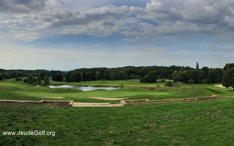 Golf de Courson-Monteloup: Défier Van Hagge sur le parcours Vert-Lilas