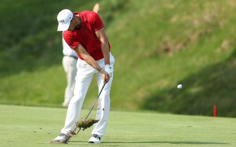 Labo Golf: Vérifier le point bas de son arc de swing pour mieux centrer la balle dans la face