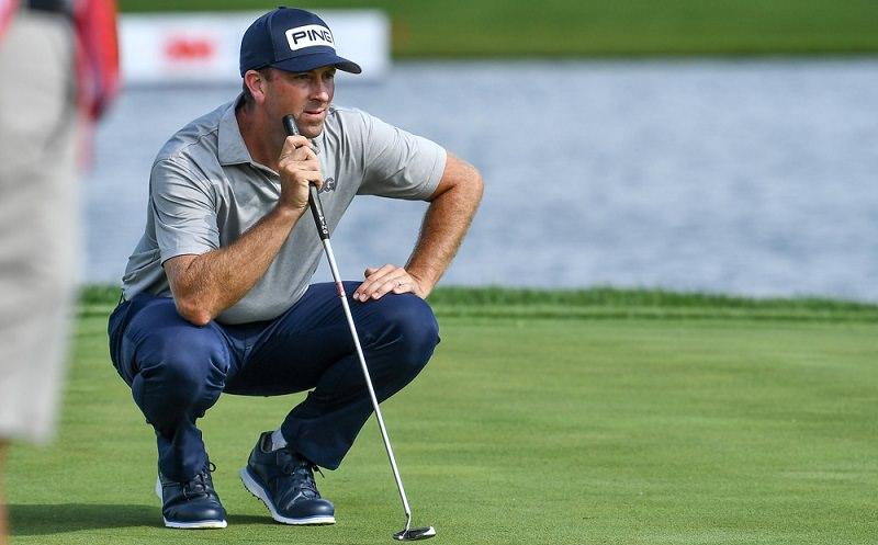 Echauffement mental au practice avant une partie de golf en compétition