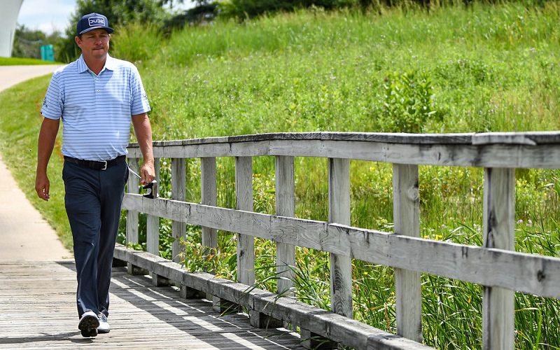 Gestion du stress de l'attente avant une partie de golf en compétition