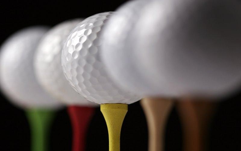 Quelles balles de golf choisir en fonction de son jeu et de son budget ?