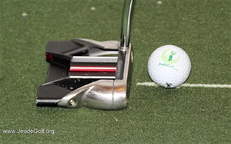 Angle d'attaque du putter sur la balle (hauteur de la face)