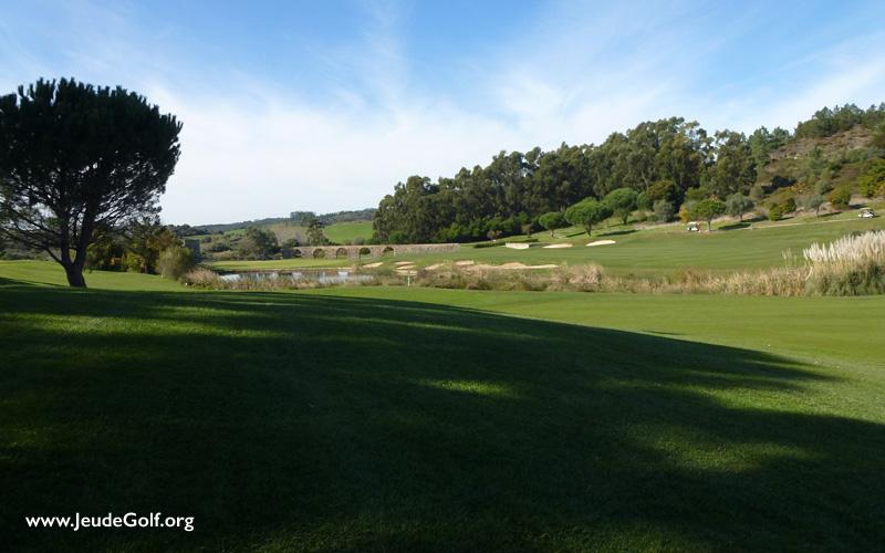 Quand il fait très chaud au golf, chercher l'ombre