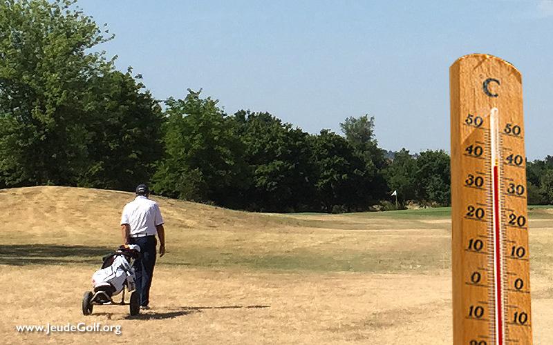 jouer au golf pendant la canicule