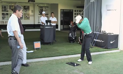 Tiger Woods utilise un trackman