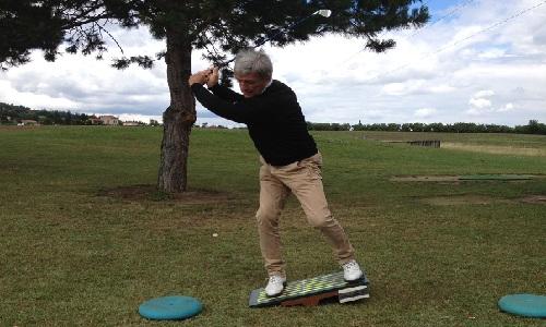 Comment améliorer ses appuis pour gagner en distance au golf?