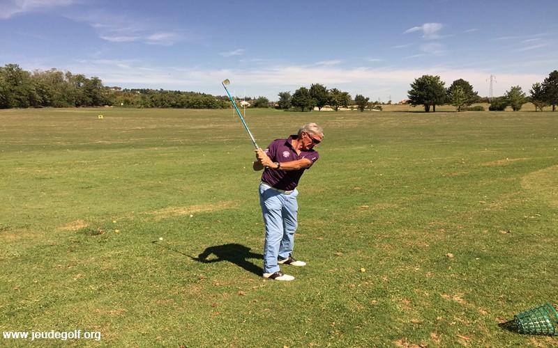 Extension trop précoce et conséquences sur la qualité de votre swing de golf
