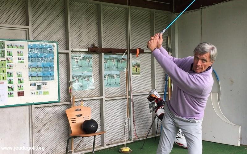 Comment sortir d'un pivot inversé pour améliorer son swing?