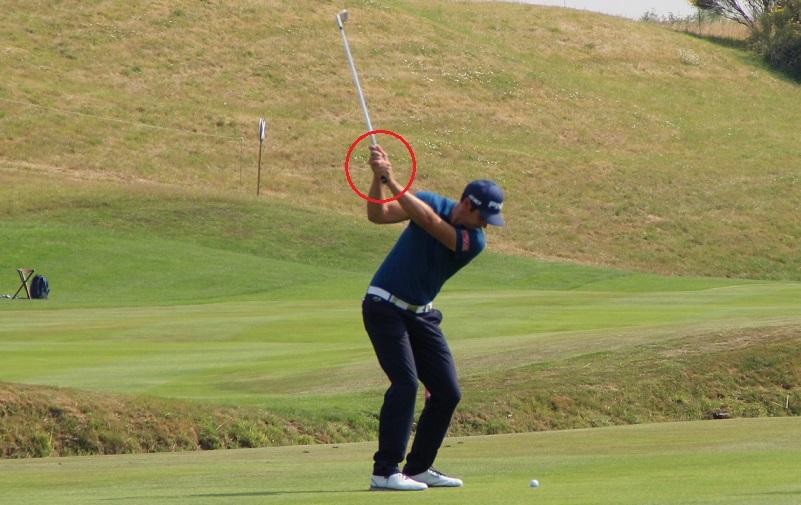 Comprendre l'importance des poignets dans un swing de golf