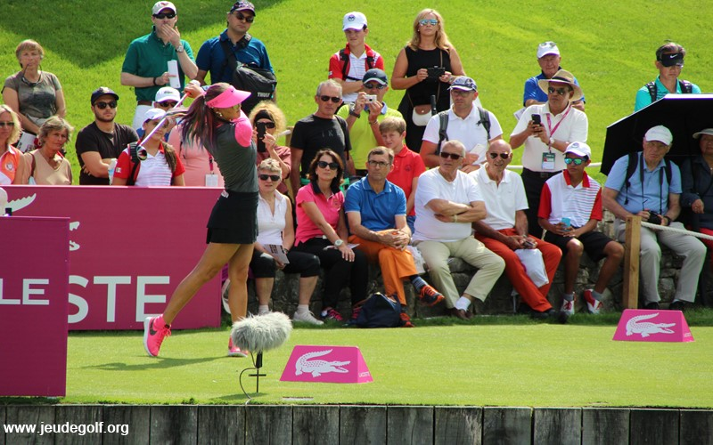 Michelle Wie : Extension totale de la jambe avant