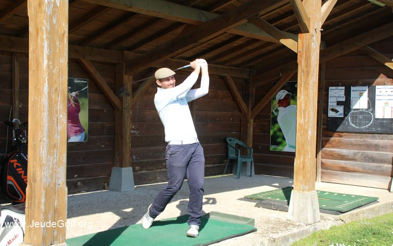 Xavier swingue le driver avec un shaft de 47 inches