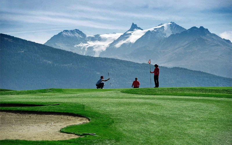 Destination de golf par excellence : Crans-Montana en Suisse