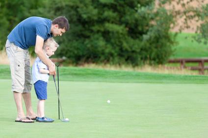 Comment faire découvrir le golf à son enfant ?