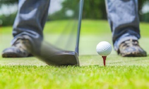 Comment prendre une balle de golf plus clean à l'impact?