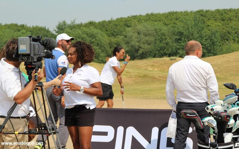 Christine Arron et Laura Flessel n'ont pas peur de s'afficher comme golfeuses