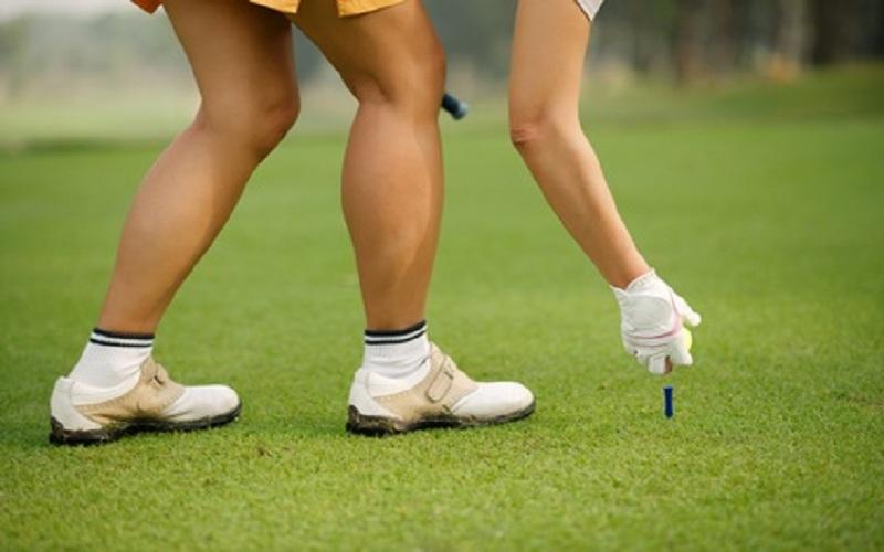 Si le confort est la première mission d'une chaussure de golf. La deuxième mission est la résistance aux tractions induites par le mouvement du swing.