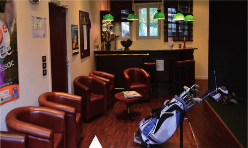 Un club-house cosy pour le Levallois Sporting Club de golf