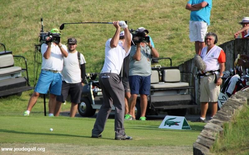 Plus de distance avec le matériel: Opportunité ou menace pour le golf?