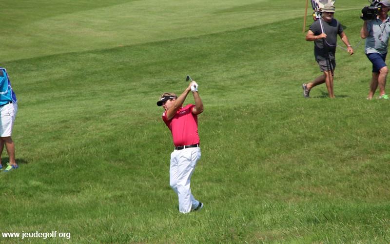 Comment Dubuisson a joué son 1er tour à Augusta par rapport à Spieth?
