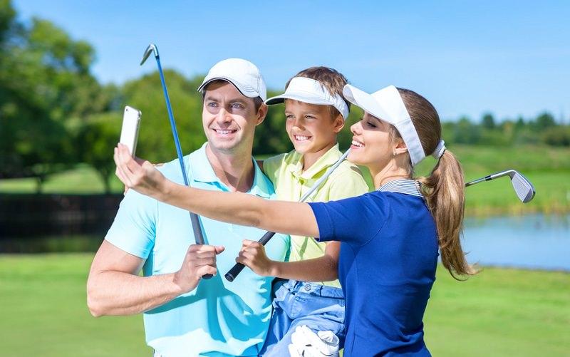 La pratique du golf en Famille : Premier vecteur de développement pour les golfs demain