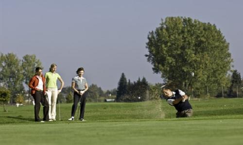 Jouer au golf facilement avec des amis