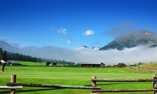 Le golf en Suisse contrasté avec plus de golfeurs mais moins d'actifs