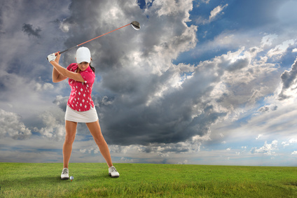 Les nuages s'amoncellent sur le golf amateur