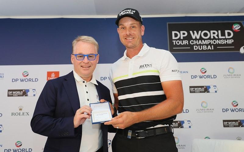 Stenson a reçu fin 2016 un droit de jeu à vie sur l'European Tour des mains de Keith Pelley