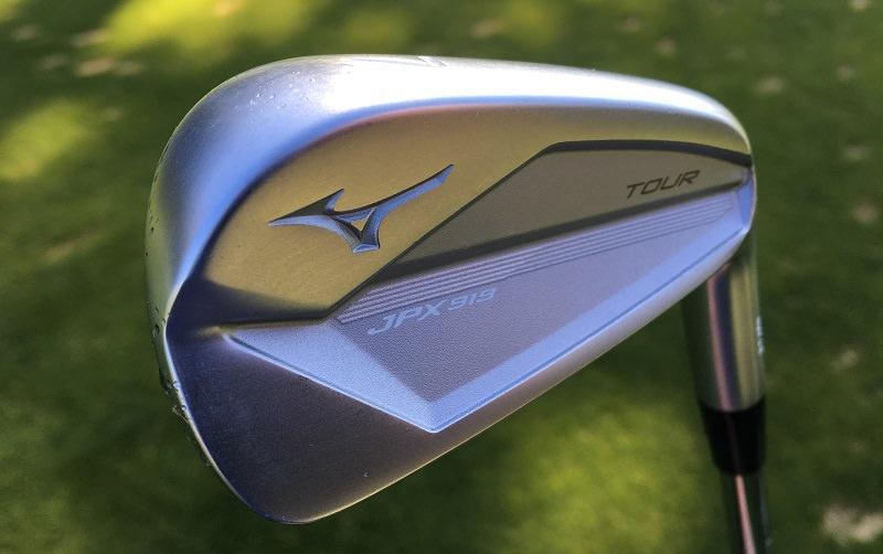 Initialement, JPX était vouée aux golfeurs en progression. Cette série est devenue une gamme technologique pour le joueur moderne.