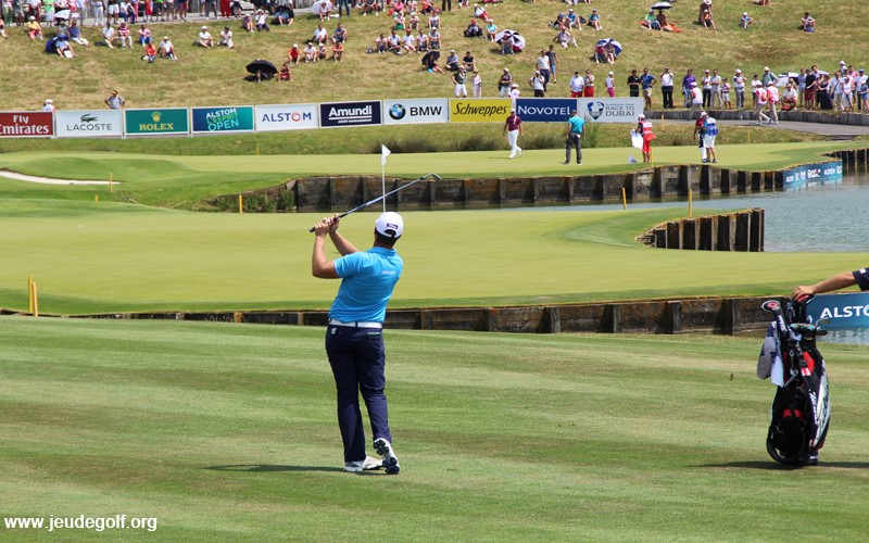 Quel golfeur est le meilleur frappeur de balle sur le circuit professionnel ?