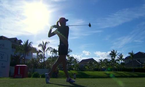 Les golfeuses ont de très beaux swings