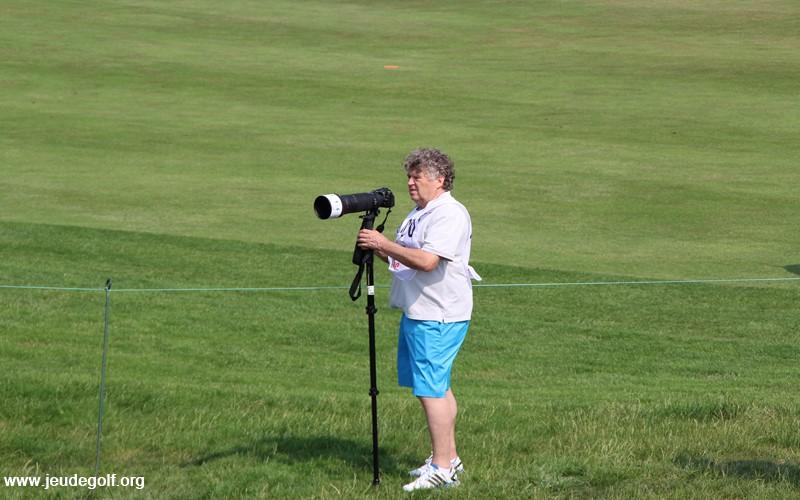 Jean-Jacques Le Moenne de GolfOuest à l'écriture et aux photos pendant l'Open de France