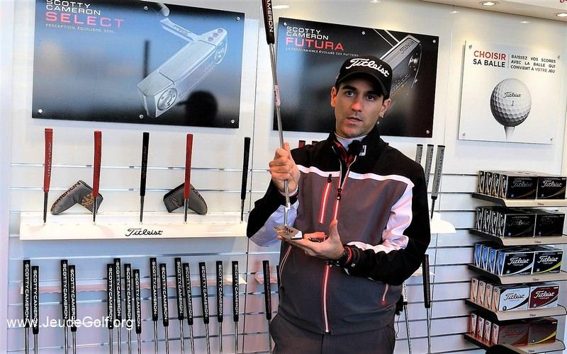 On va commencer par recommander un putter en fonction de l'appréciation visuelle du golfeur pour un putter plus qu'un autre.
