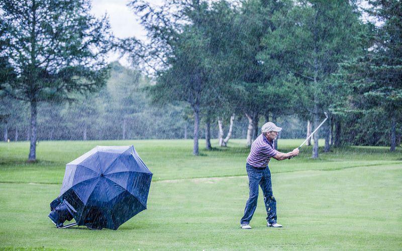 Météo et économie pèsent sur la vente des clubs de golf en 2018