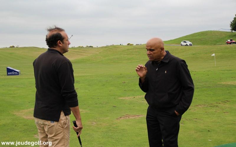 Ralph Hippolyte : Golfeurs ! La technologie n'est pas un substitut à votre profil naturel!