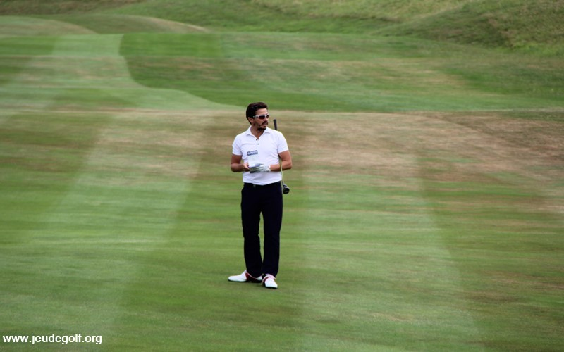 Relation entre score au golf et fréquence de jeu sur le parcours