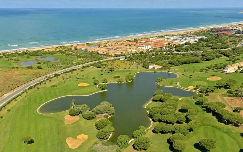 le Novo Sancti Petri, un parcours dessiné par Severiano Ballesteros qui longe une plage longue de sept kilomètres.