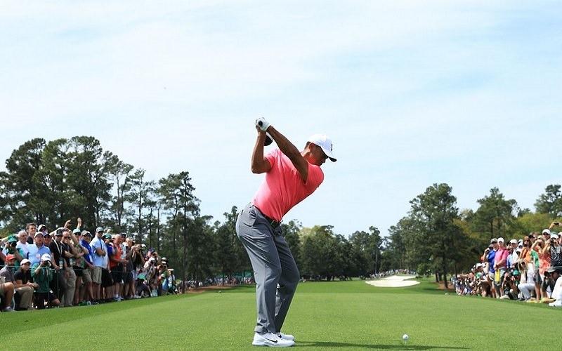 Tiger Woods en mode bombardier pendant le Masters à Augusta