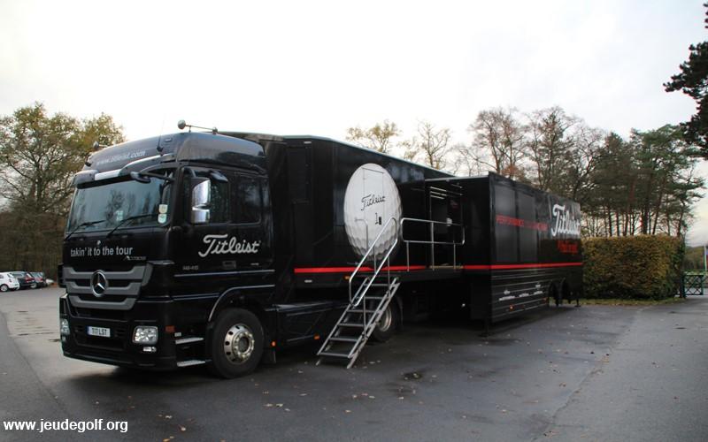 Visite du camion Titleist dédié aux golfeurs sur le tour européen