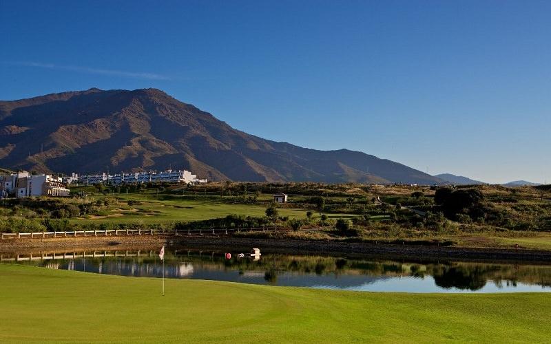Pour celles qui voudraient privilégier la location d'appartements à l'hôtel, le Valle Romano Golf Resort propose des appartements très bien équipés et très luxueux pour quatre à cinq personnes, le tout à trois cent mètres du club-house.