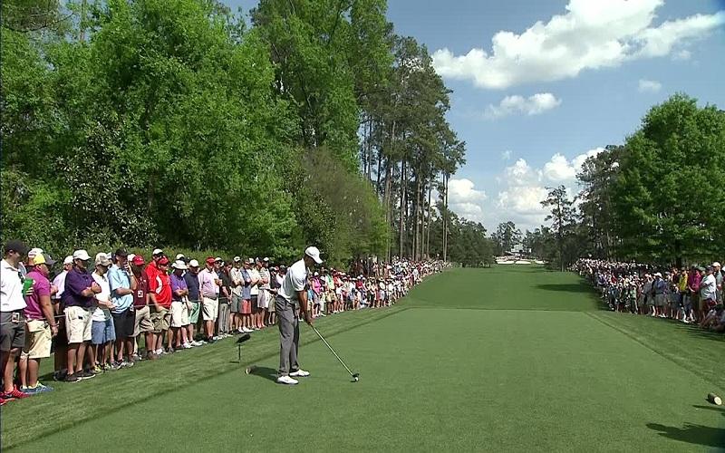 Masters 2015: Woods dans le coup pour son retour à Augusta