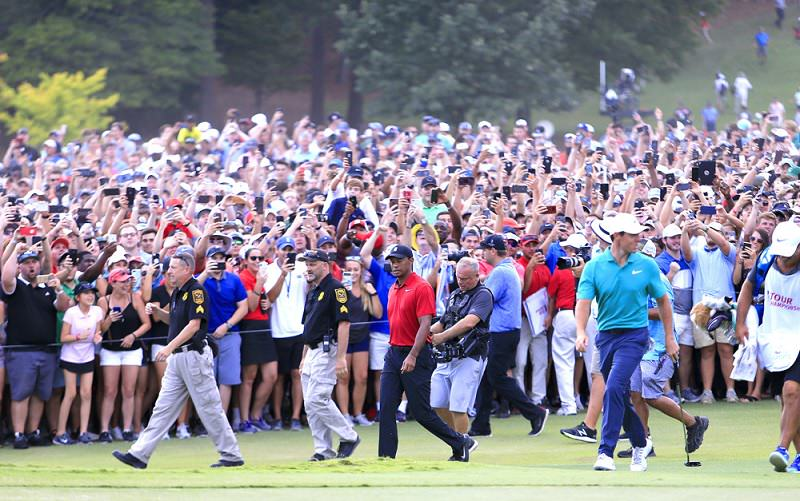 Tiger Woods remporte le Tour Championship : Le Come-back triomphant !