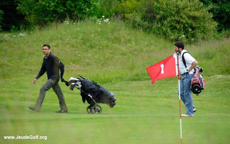 jouer au golf à pied