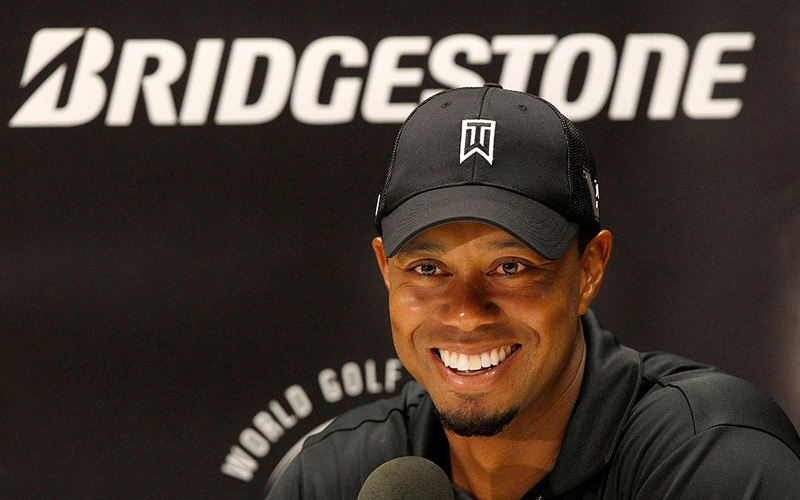 Tiger Woods signe avec Bridgestone Golf