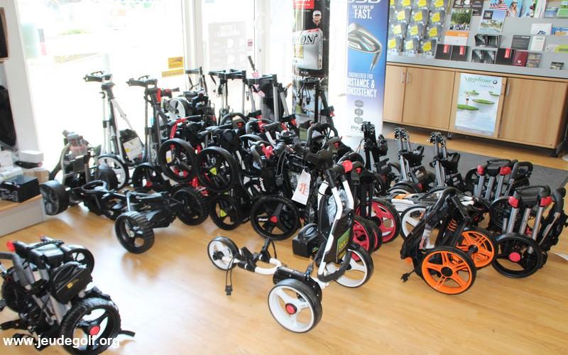 Chariots de golf électriques, comment choisir celui qui vous convient ?