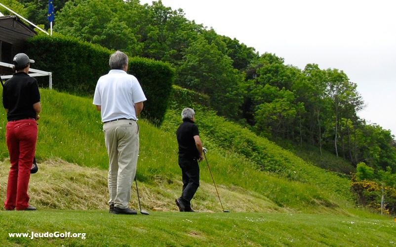 Comment expliquer l'engouement des personnes âgées pour le golf ?
